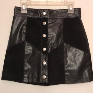 Black Mini Skirt!
